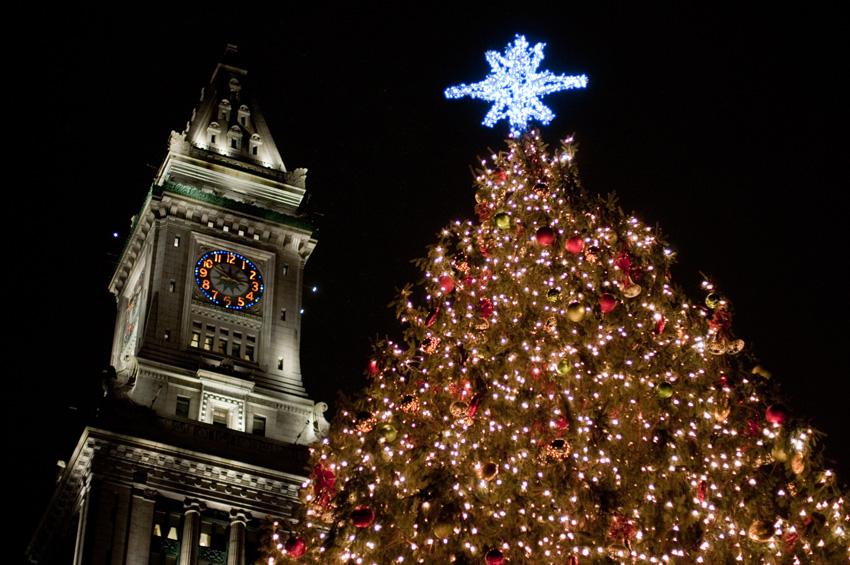 The Kensington Goes Out: Boston's Annual Christmas Tree Lighting