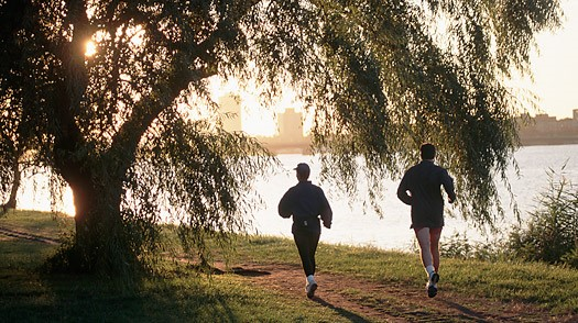 """3 Outdoor Fitness Spots To """"Fall"""" In Love With"""